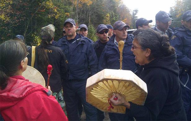 Elsipogtog community meets over fracking protest