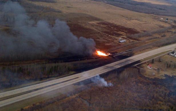 Explosion, flames as CN oil train derails in Alberta