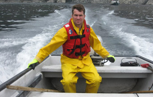 Tossed overboard by Harper cuts, Ocean pollution expert joins aquarium
