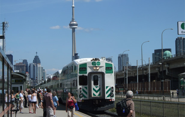 Ontario Liberals to raise billions for public transit expansion
