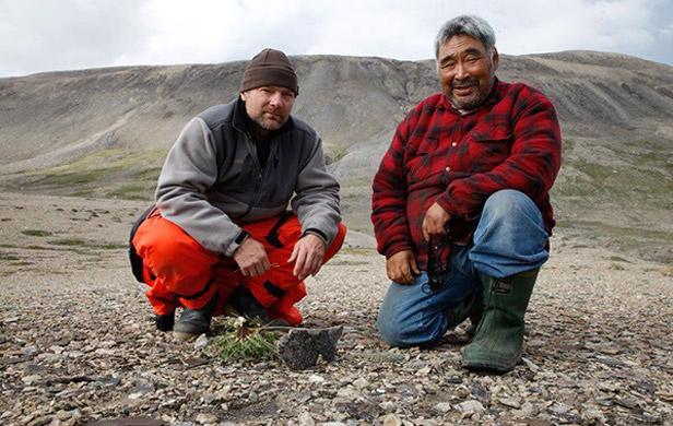 Inuit, Greenpeace team to battle Arctic seismic testing