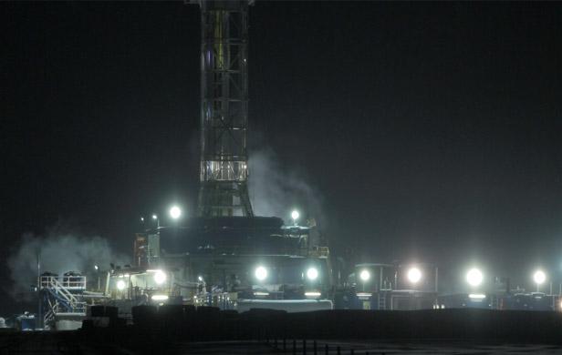 A fracking drill near Dawson Creek in northeast BC (Two Island Films)