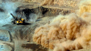 Toxic Mexican copper mine spill prompts water restrictions