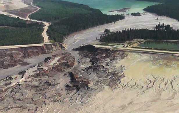 Aerial image after Mount Polley mine tailings spill (Cariboo Regional District)