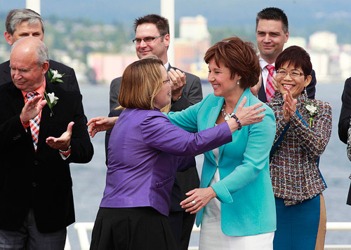 BC Premier Christy Clark welcomes her cabinet in 2013 (Province of BC/Flickr)