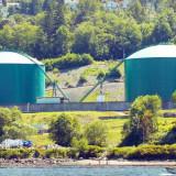 Greenpeace activists block oil pump at Kinder Morgan terminal