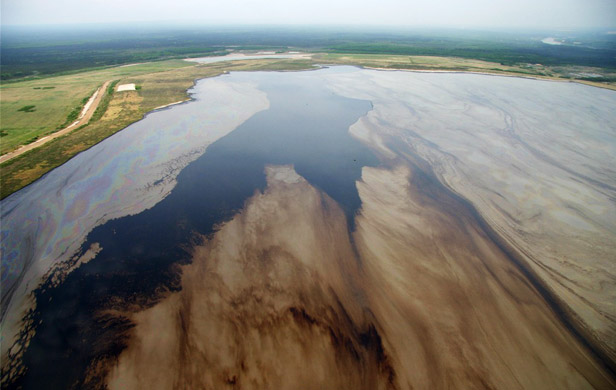 Industry wants right to release water from oilsands tailings ponds
