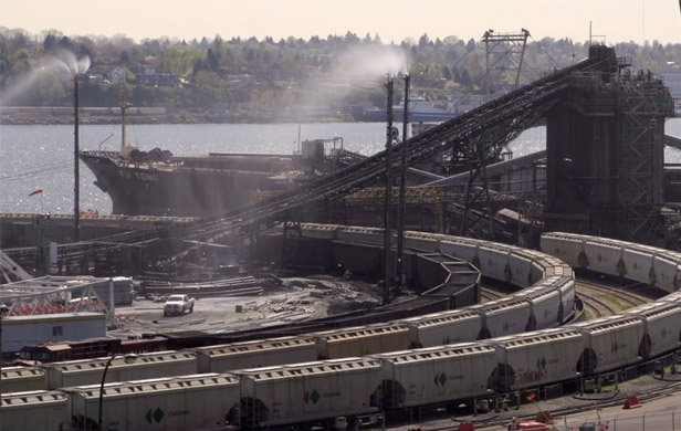 Neptune coal terminal (Image: Dan Pierce/Wilderness Committee)