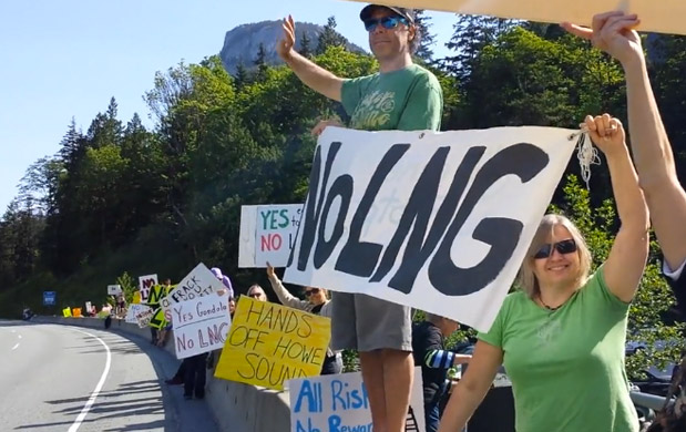 Citizens line the Sea to Sky Highway to protest Woodfibre LNG (My Sea to Sky)