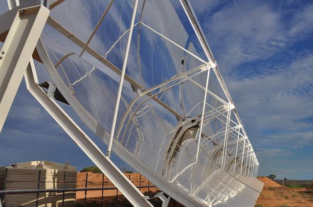 Australia's Sundrop Solar Farm (Flickr cc license/UCL Engineering)